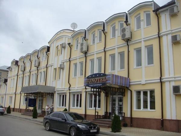г.Ессентуки, р-он нижнего рынка, гостиница 3-х этажная