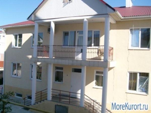 "п.  Витязево гостевой дом ""Сотири"""