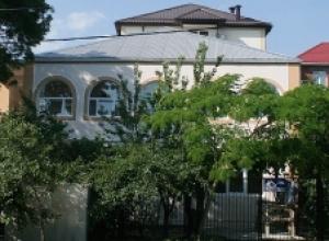 Гостиница «Милена». Адрес: Краснодарский край, Геленджикский район,  Кабардинка, ул. Коллективная 24 а.