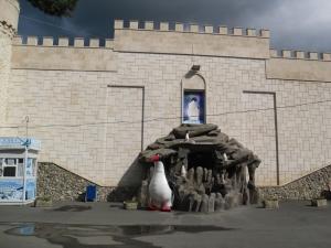 Пингвинарий ( + ВИДЕО). Адрес: Краснодарский край, Сочинский р-н,  Лазаревское, ул.Победы 153.