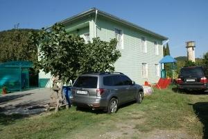 """Гостевой дом """"Речная 36"""". Адрес: Другие страны, Абхазия,  Пицунда, ул.Речная, 36."""
